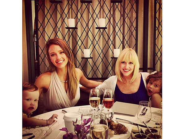Spotted: The Alba-Warren's Mother's Day Lunch – Moms & Babies – Moms & Babies - People.com