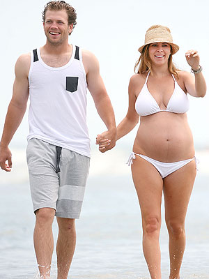 Jamie-Lynn Sigler Pregnant Bikini