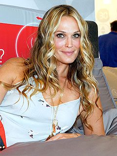 Molly Sims Brooks Summer Beach Dates