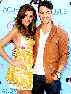Kevin Jonas Danielle Jonas Expecting a Girl
