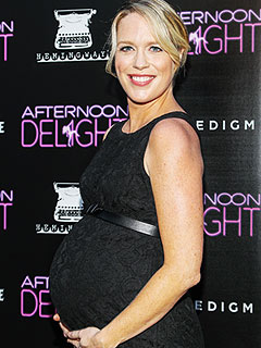Jessica St. Clair Welcomes Daughter Isobel Kelly