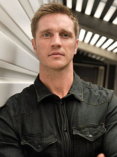 Devon Sawa Expecting First Child Son