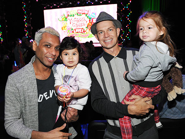 Tony Kanal and Adrian Young Yo Gabba Gabba Live