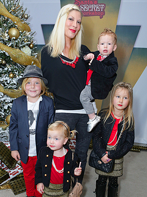 Tori Spelling Secret Santa Workshop