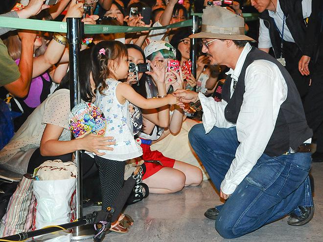 FAN-TASTIC photo   Johnny Depp