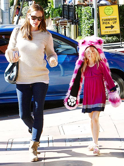 FUR-REAL FUN photo | Jennifer Garner