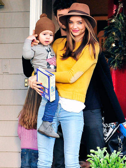 HAT ATTACK photo | Miranda Kerr