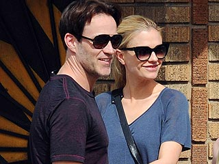 Anna Paquin & Stephen Moyer Take Twins Out for Dinner | Anna Paquin, Stephen Moyer