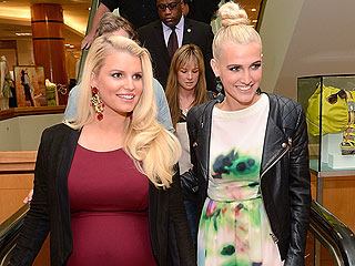 Inside Jessica & Ashlee's 'Very Sweet' Family Dinner | Ashlee Simpson, Jessica Simpson
