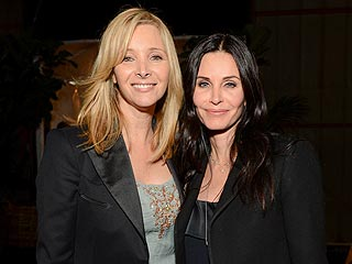 Who Hung Out Together in a Mini Friends Reunion? | Courteney Cox, Lisa Kudrow