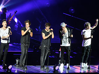 One Direction Tweets a Sneak Peek of Their Upcoming Concert Film