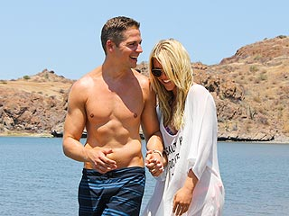 Jason Kennedy 'Trying to Look Cool' Around Lauren Scruggs
