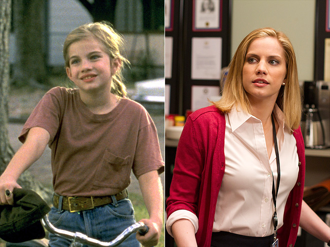 Anna Chlumsky as a kid