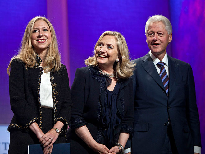 photo | Bill Clinton, Chelsea Clinton, Hillary Rodham Clinton