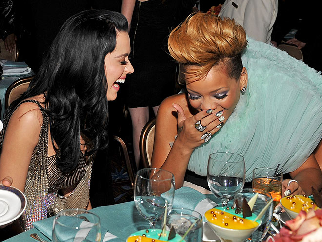 photo | Katy Perry, Rihanna