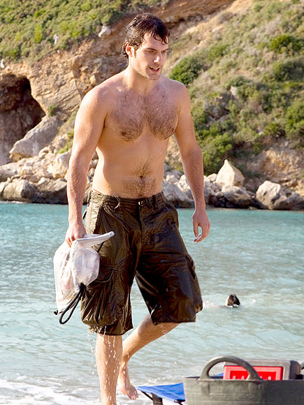 DID WE MENTION THOSE ABS? photo | Henry Cavill