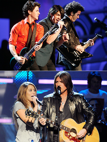 BILLY RAY & MILEY CYRUS & THE JONAS BROTHERS photo | Billy Ray Cyrus, Jonas Brothers, Miley Cyrus
