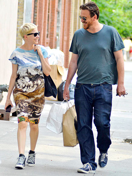 3. SHE FINALLY SEEMED HAPPY photo | Jason Segel, Michelle Williams