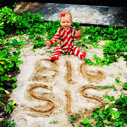 Jessica Simpson's Hawaii Family Holiday