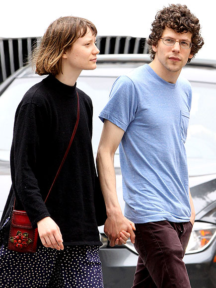Jesse Eisenberg Girlfriend 2013 Mia wasikowska dating jesse ...