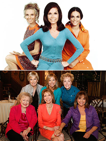 THE CAST OF THE MARY TYLER MOORE SHOW  photo | Cloris Leachman, Mary Tyler Moore, Valerie Harper
