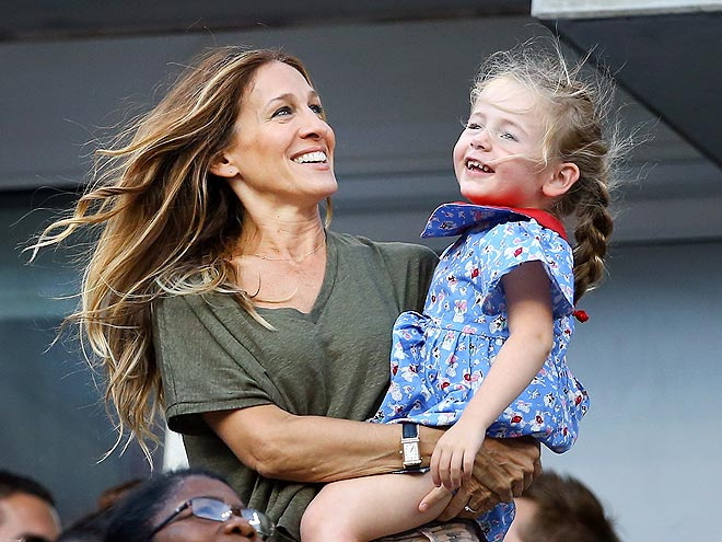 LITTLE INTEREST photo | Sarah Jessica Parker
