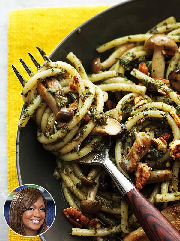 Sunny Anderson Creamy Collard Pesto Pasta