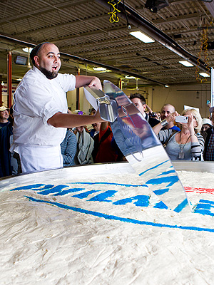 Duff Goldman Ace of Cakes World's Largest Cheesecake