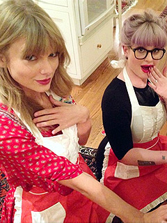Kelly Osbourne Taylor Swift Baking Cookies