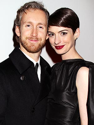 Anne Hathaway Married Adam Shulman; Talks Relationship & Love