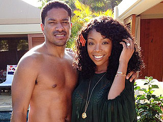 PHOTO: See Brandy's Engagement Ring!   Brandy