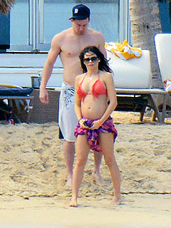Jenna Dewan-Tatum Shows Off Her Baby Bump in a Bikini | Channing Tatum, Jenna Dewan