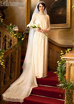 SNEAK PEEK: See Lady Mary's Wedding Look Before Downton's Premiere | Michelle Dockery