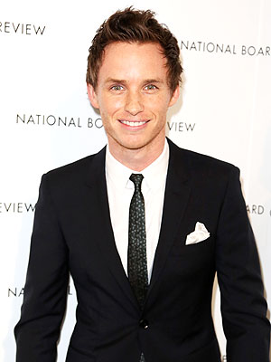 eddie redmayne 300x400 Why Eddie Redmayne's Girlfriend Helps Him Get Dressed