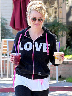 PHOTO: Britney Steps Out in &#39;Love&#39; Sweatshirt after Split