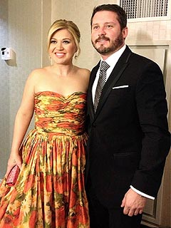 PHOTO: Kelly Clarkson Gets 'Fancy' For Inaugural Ball