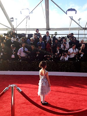 'Lily' from Modern Family: A Precious Pose on SAG Red Carpet