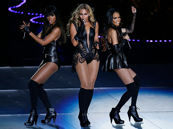 Beyoncé's Halftime Show Blows Up Twitter| Super Bowl, Super Bowl XXXIV, Beyonce Knowles