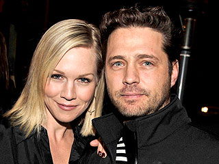 Jason Priestley Jokes Jennie Garth Was on the 'Heartbreak Hotel Diet' | Jason Priestley, Jennie Garth
