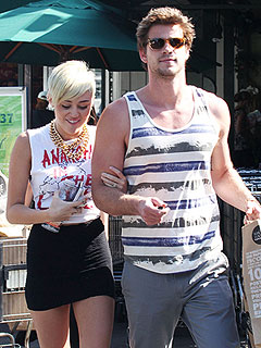 Miley Still Hopes for Reconciliation with Liam: Source | Liam Hemsworth, Miley Cyrus