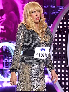 Dude Looks (Sort of) Like a Lady? Steven Tyler Crashes Idol in Drag
