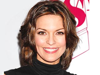 How Alana De La Garza's Son Already Plays with His (Unborn) Baby Sister