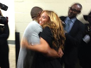 PHOTO: Beaming Beyonc&#233; Hugs Jay-Z After Halftime Show