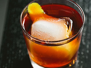 Celebrate Kelly Clarkson's Grammy Nominations with a 'Stronger' Cocktail