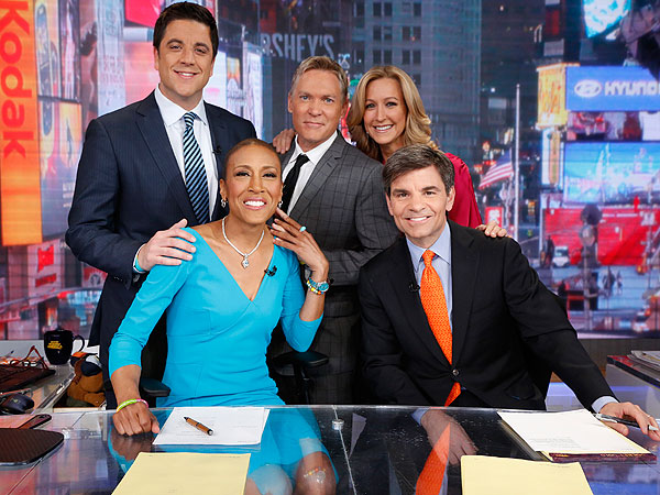 Robin Roberts Welcomed Back to GMA by the Obamas