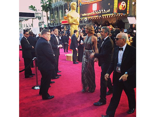 Oscars 2013: Academy Award Tweets, Behind the Scenes with PEOPLE