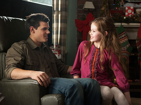 Breaking Dawn Part 2 - Taylor Lautner Pictures When Jacob & Renesmee Meet