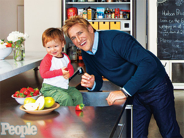 Curtis Stone, Lindsay Price at Home, in the Kitchen in PEOPLE
