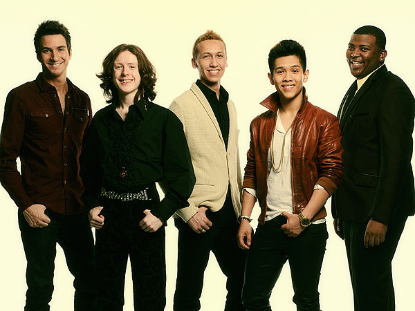 American Idol's Top 10 Guys Perform for Votes