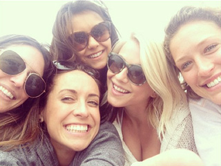PHOTO: Julianne Hough Gets 'Friends Therapy' After Split | Julianne Hough